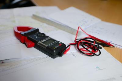génire électrique voltmetre